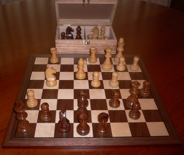 No A105 Combo. Sheesham Chess Set with Board and Chest