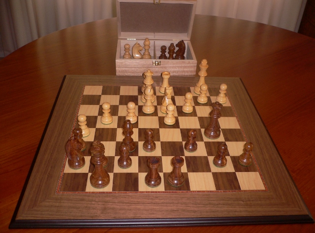 No A107 Combo. Sheesham Chess Set with Board and Chest. 101mm King