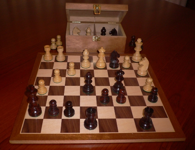 No A203 Combo. Rosewood Chess Set with Board and Chest