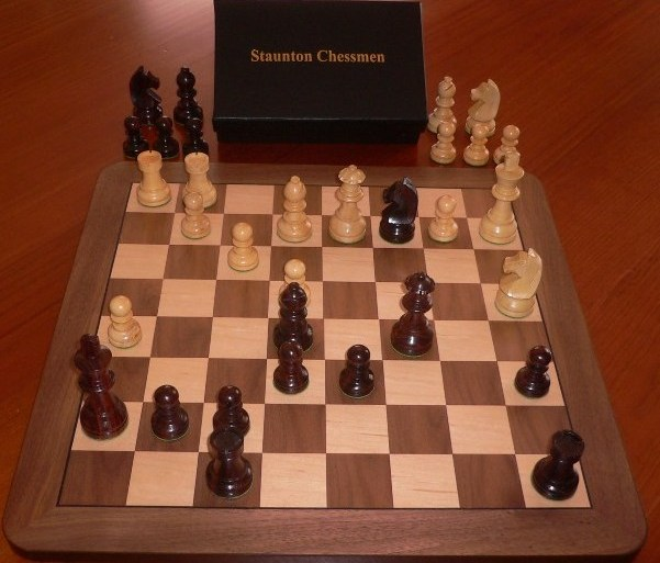 Anjan Chess Set with Board and Box. 89mm King