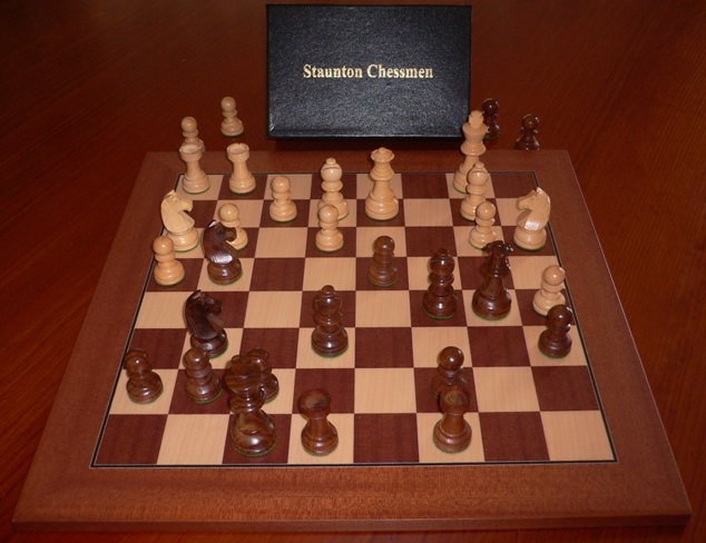 No A104 Combo. Sheesham Chess Set with Board and Box