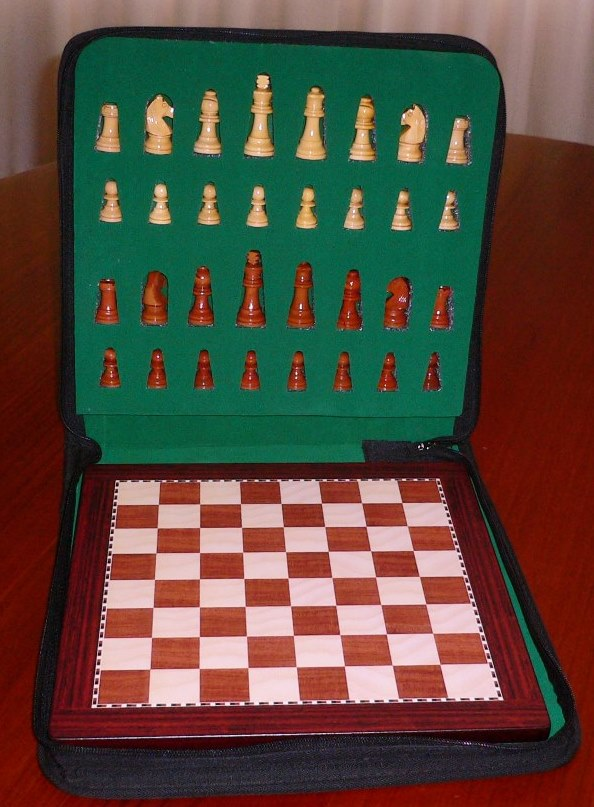 No G540-300 Deluxe Magnetic Wood Chess Set. 57mm King