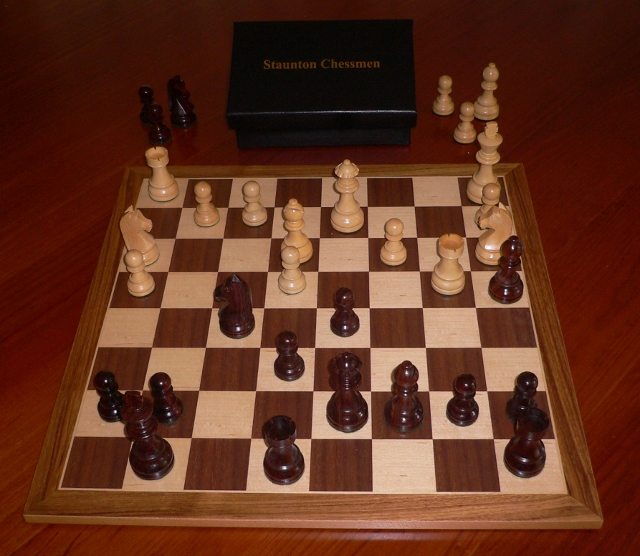 Anjan Chess Set with Standard Board and Box. 89mm King